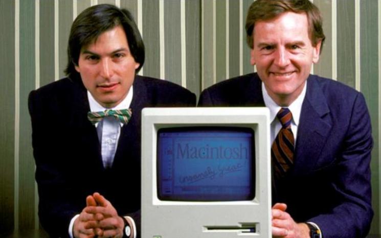 Steve Jobs等人在1976年4月1日组成了苹果电脑公司(Apple Computer Inc.)
