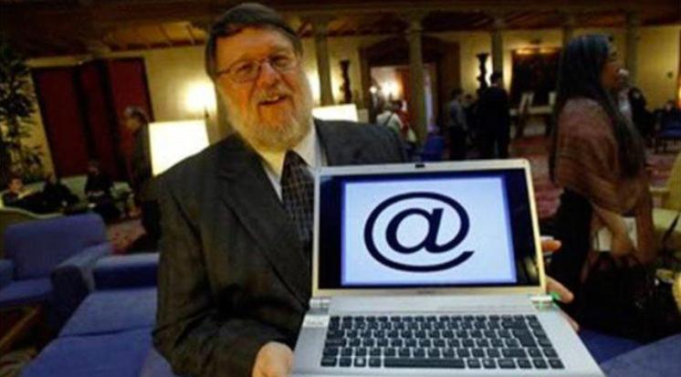 世界上公认的第一个电脑病毒爬行者Creeper出现在1971年
