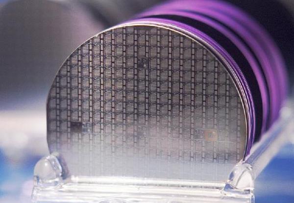 Baron Jons Jackob Berzelius于1823年发现矽(硅),这是今天处理器的基本组成部分。
