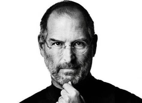 Apple以4亿美元收购了NeXT软件公司,并以顾问身份聘用了苹果联合创始人史蒂夫·乔布斯