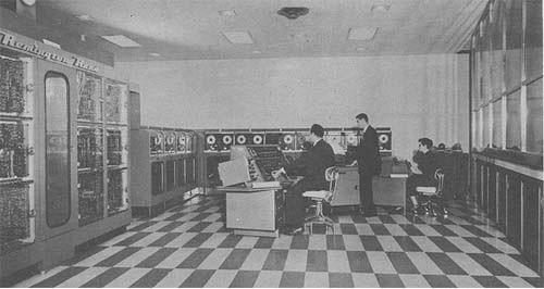 第一台高速打印机是雷明顿兰德公司于1953年研发