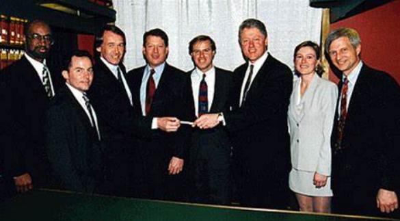 电信法在1996年放松了对数据网络的管制