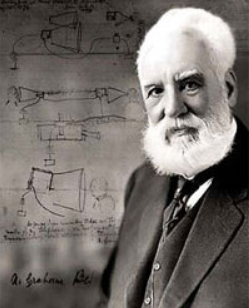 Alexander Graham Bell 发明了第一部电话,使人们可以远距离通话