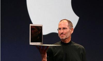 2010年10月20日,苹果发布了新款13.3寸MacBook Air