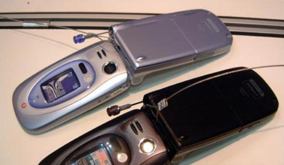 2003年5月22日夏普制造的J-SH53是全球第一款百万像素照相手机