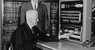 1953年4月7日IBM正式对外发布自己的第一台电子计算机 IBM701