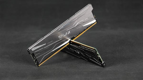 2020年9月6日影驰推出全新的金属大师系列DDR4内存
