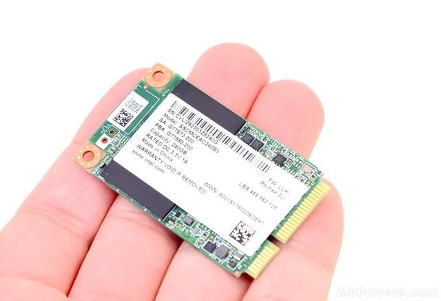世界上第一款固态硬盘出现于1989年