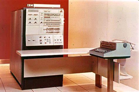 1964年4月7日,IBM360计算机问世,标志着第三代计算机登场