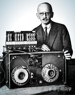 1928年,Fritz Pfleumer发明了录音磁带,磁性存储时代开始